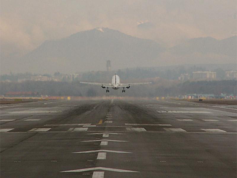 Aeroporto Aosta : Marzo